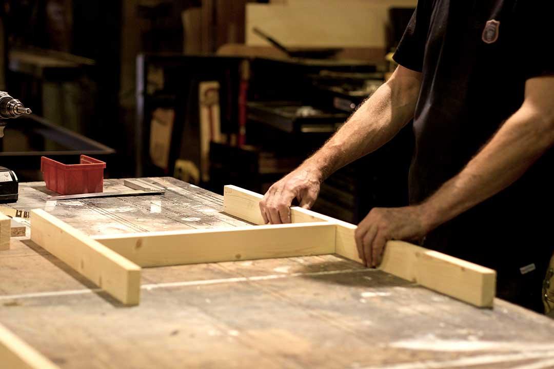 construction scénographie Jean-Luc Tourne TAF de la compagnie de cirque contemporain Les Hommes de Mains